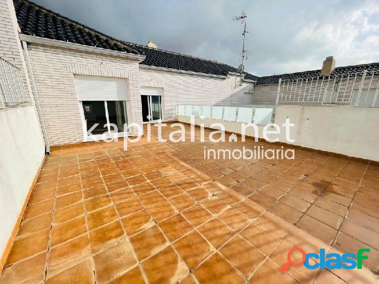 Exclusivo ático dúplex de 200 m2 a la venta en l'Olleria.