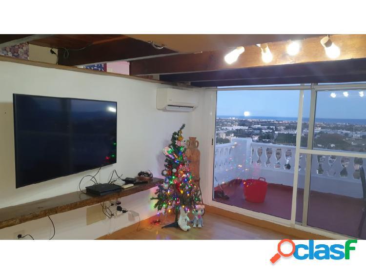 Gran oportunidad con este apartamento con vistas al mar.