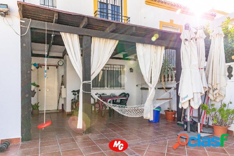 LOS PINOS ADOSADO: 4 HABITACIONES + VESTIDOR + BAÑO Y ASEO