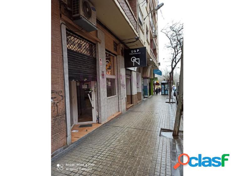 Local comercial en calle adyacente a Tenor Fleta