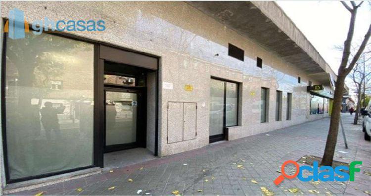 Local en venta en Puente de Vallecas, Madrid. Local en