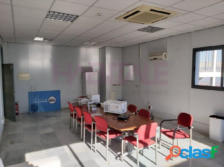 Módulo diáfano para oficina, en el centro del Parque PISA,