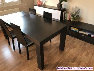 Mesa extensible y 4 sillas wengue
