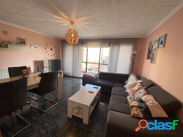 Piso con 61m² construidos, 3 dormitorios, 1 baño
