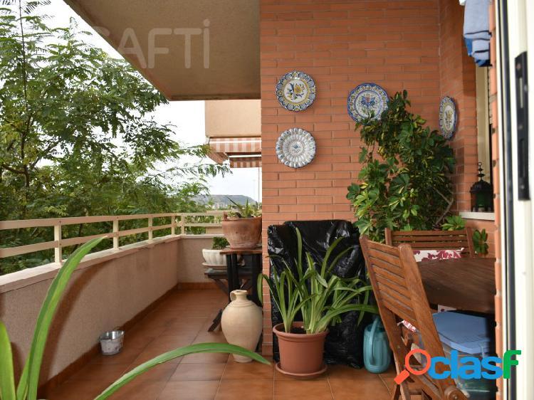 Piso de 120m², 4 habitaciones, 2 baños, Plaza de garaje en
