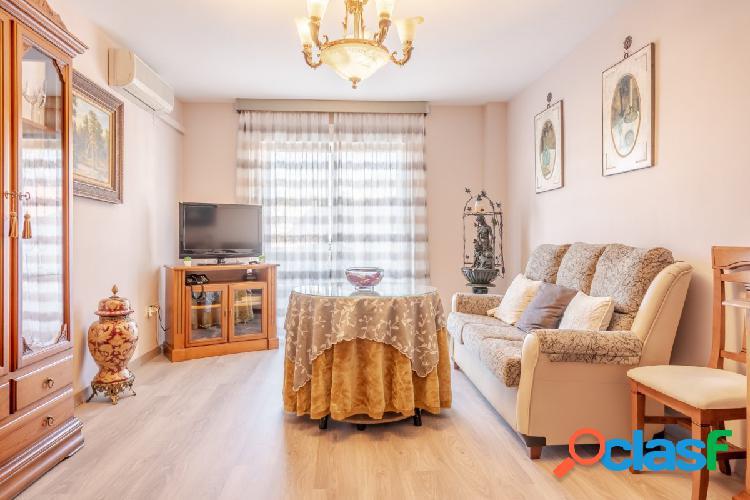 Piso de 3 dormitorios, 2 WC y plaza de garaje en Alfacar!