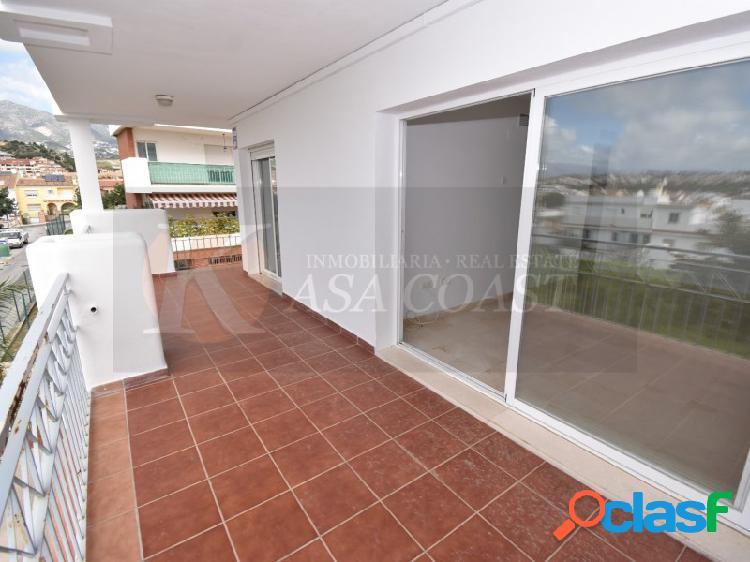 Piso de 76 m2 en venta en zona baja de Los Pacos,