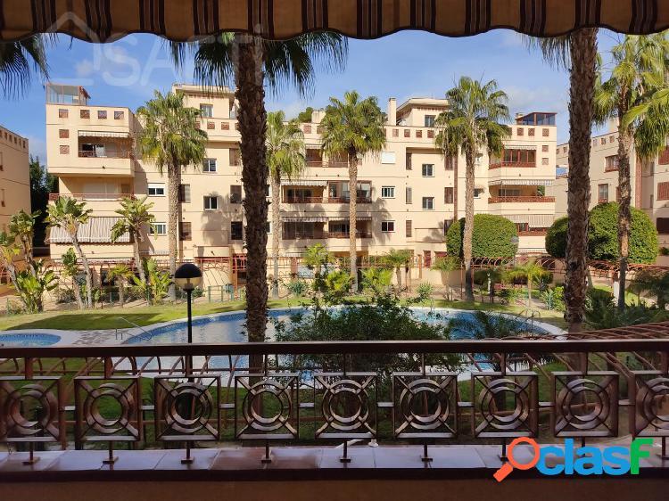 Piso en Villa Antonia, 3 habitaciones, 2 baños, 2 plazas de