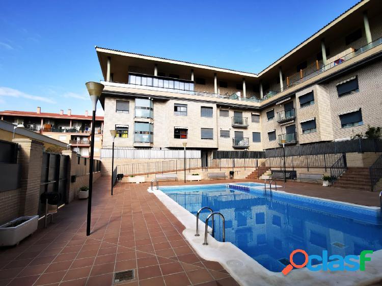 Piso en venta en residencial con piscina en Silla