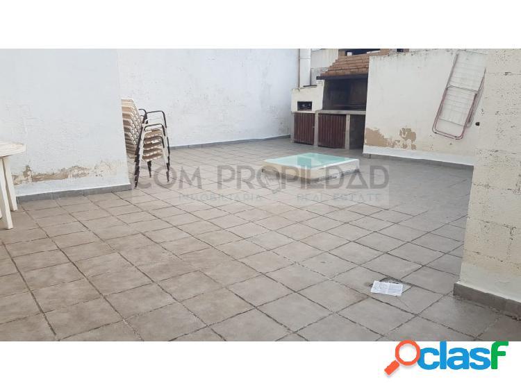 Primero piso de 90 m2 con amplia terraza en la zona de CAN