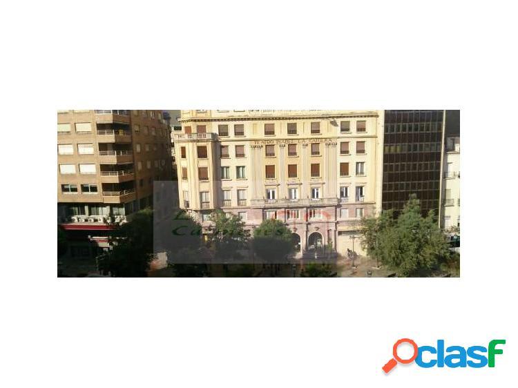 Se Alquila Piso en pleno Centro de Granada