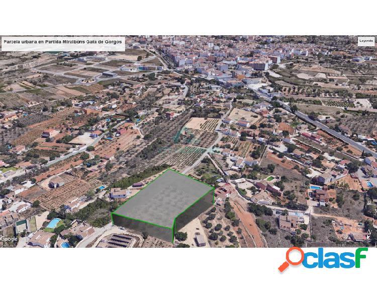 Terreno urbano y construible en Partida Miralbons de Gata de