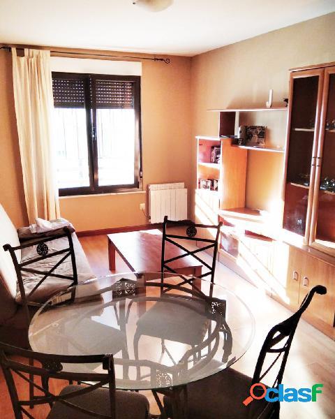 Urbis te ofrece un estupendo apartamento en alquiler en