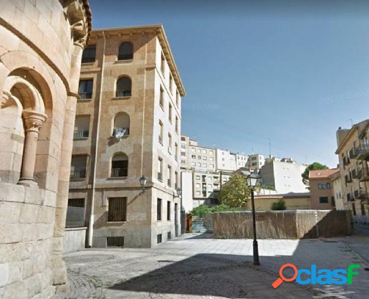 Urbis te ofrece un estupendo local en zona Las Úrsulas,