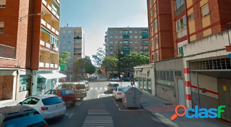 Urbis te ofrece una plaza de garaje en venta en Garrido
