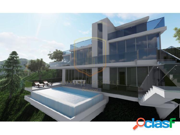 Villa de diseño moderno en un enclave natural fantástico,