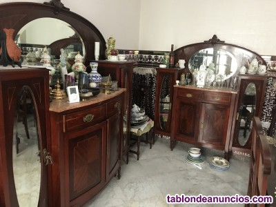 Muebles de salón con espejo y marmol