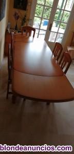 Mesa del comedor de madera con 6 sillas