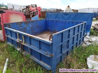 Caja de camion de unos 2,50 x 2,50 m