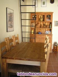 Vendo mesa y sillas de madera maciza a estrenar.