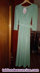 Se vende vestidos de fiesta.Tenemos talla S,M,L y XL