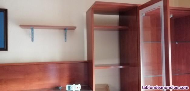 Muebles de salón, mesa, sillas y mesita