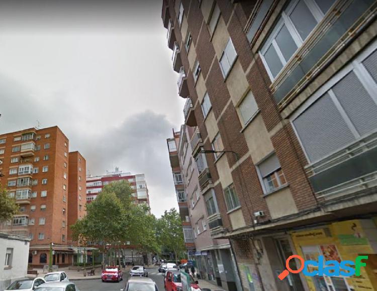 ALQUILER de LOCAL COMERCIAL en Valladolid