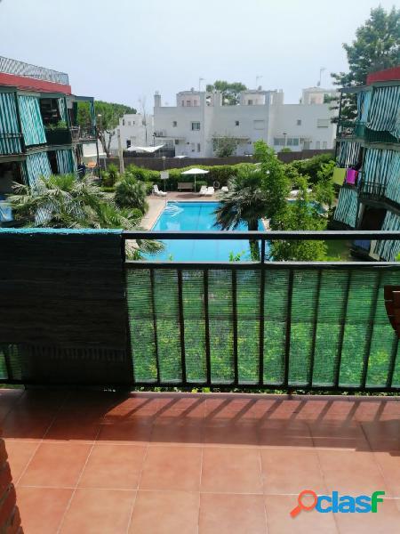 Acogedor piso de 2 habitaciones con piscina en Bellamar