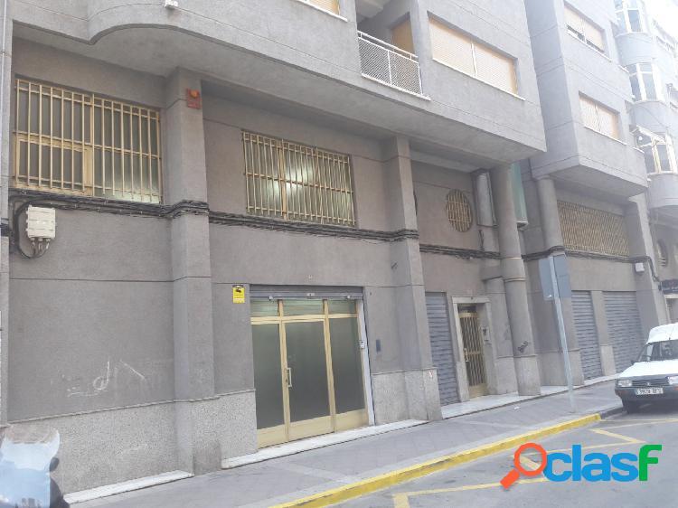 Alquilo local junto Av Libertad-Instituto Carrús