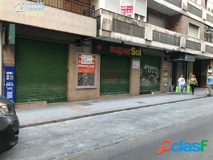Amplio local comercial en Martínez Campos, junto a Plaza de