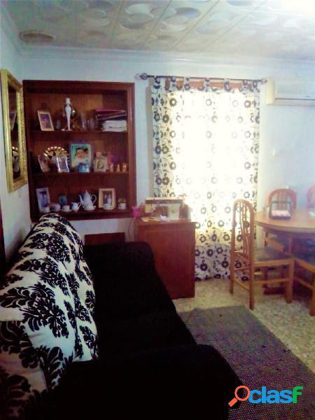 Amplio piso de dos dormitorios por la zona de Villafranqueza