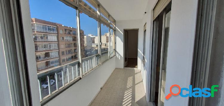 Amplio y luminosos piso de 4 dormitorios en Torrevieja