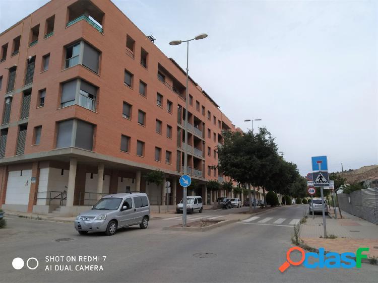Apartamento de 2 dormitorios, junto a la Universidad en