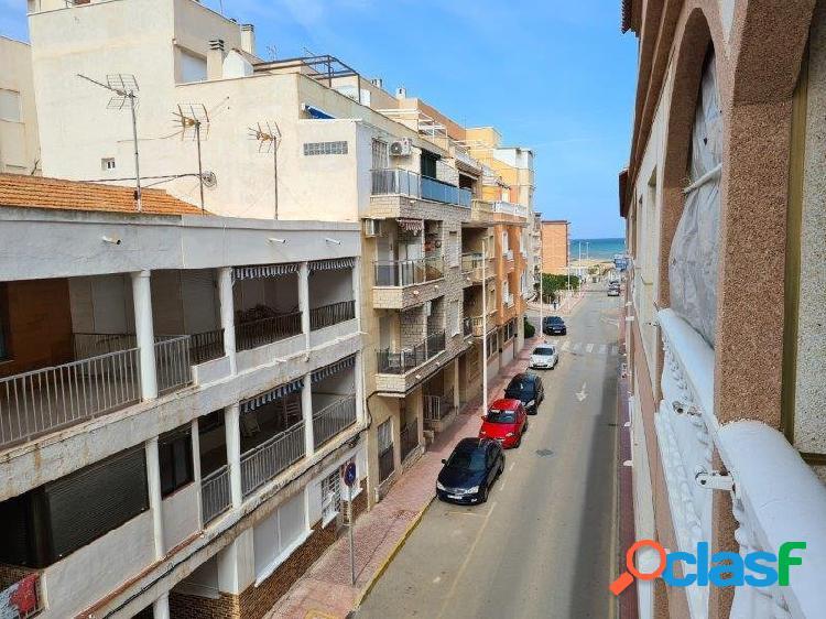 Apartamento de un dormitorio a 100 metros de la playa de la