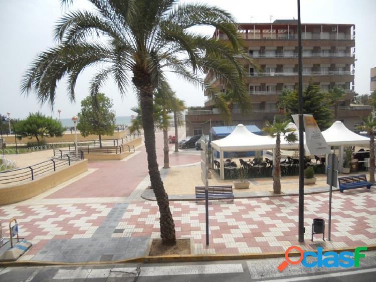 Apartamento en primerísima línea de la Playa de Levante.