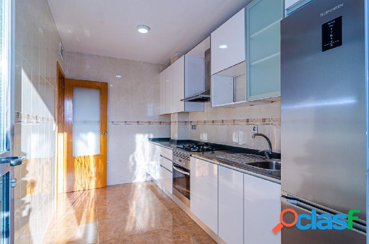 Apartamento semi nuevo, joven y súper bonito en Santomera.
