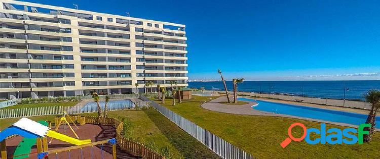 Apartamentos en primera línea de mar en venta en la playa