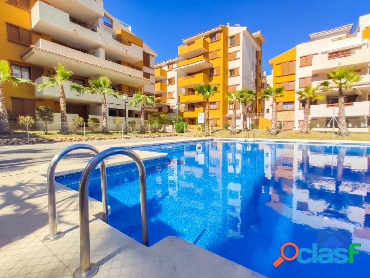 Apartamentos en primera línea del mar en Punta Prima,