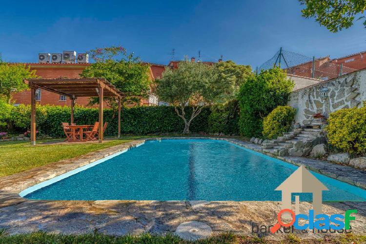 Atico Exclusivo con 700m de jardín y piscina privada