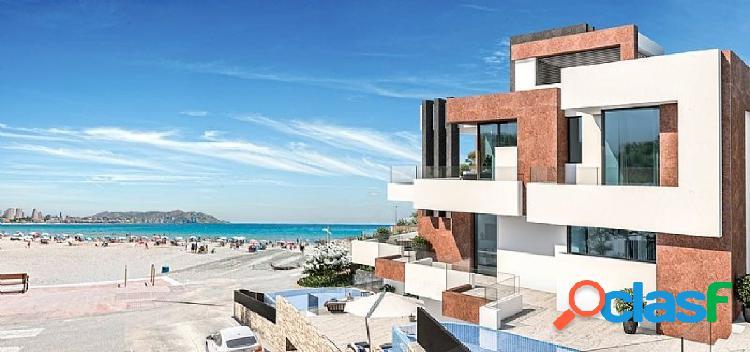 Atico duplex de lujo con salida directa a la playa Poniente