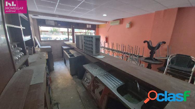 Bar musical para reformar, ubicado en zona adayacente al