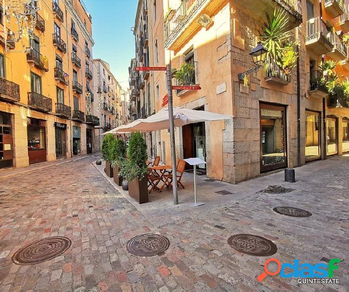 Bar-restaurante en traspaso en centro de Girona