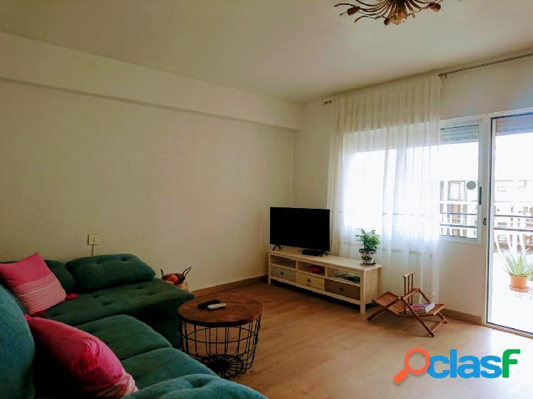 Bonito, espacioso y luminoso piso en venta, San Blas