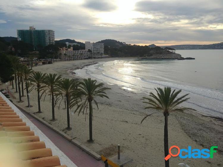 Bonito estudio frente a la playa de Paguera. 1ª línea de
