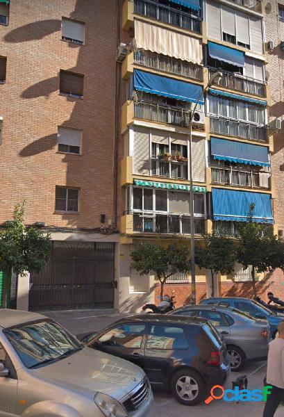 Bonito piso de tres dormitorios en C/ Pacheco 6