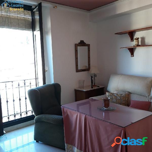 Bonito piso en pleno centro de Granada