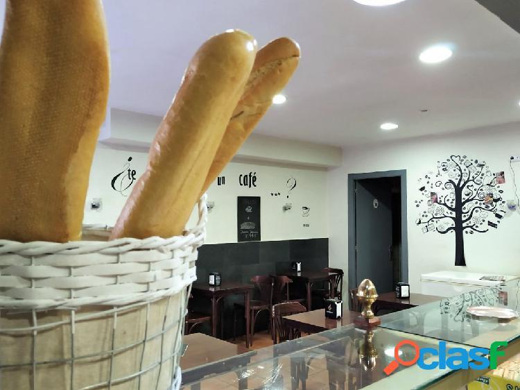 Cafeteria-Panadería en Traspaso.