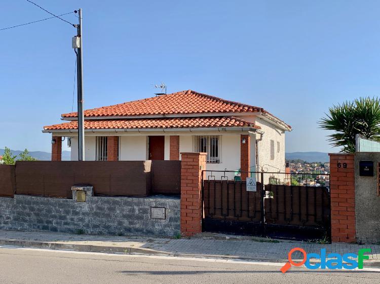 Casa 4 vientos semi-reformada y con panorámicas vistas!