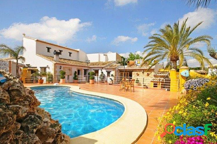 Casa adosada en venta en Benissa 395000 €