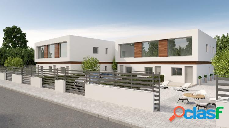 Casa adosada moderna de dos dormitorios en Villamartin